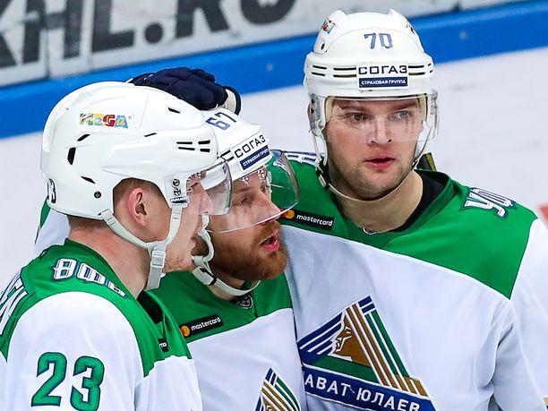 Joonas Kemppainen, Linus Omark ja Teemu Hartikainen johdattivat Ufan 3-2-voittoon.