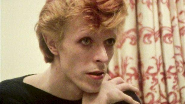 David Bowie oli dokumentin kuvausaikaan heikoissa henkisissä kantimissa.