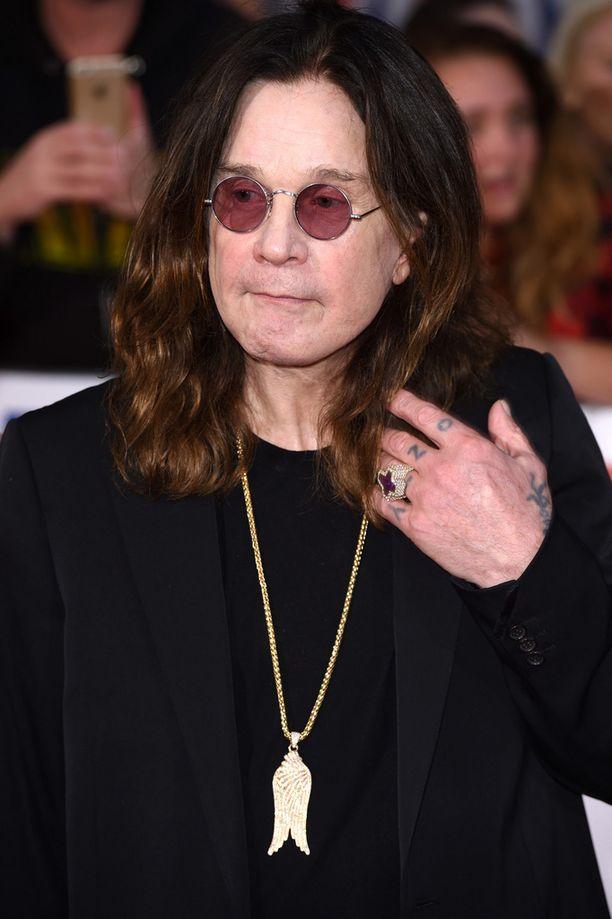 Laulaja Ozzy Osbourne on kertonut käyttäneensä huumeita ja alkoholia suurimman osan aikuiselämästään.