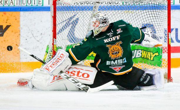 Henri Kiviaho torjui kauden ensimmäisen voiton kauden kuudennessa liigastartissa.