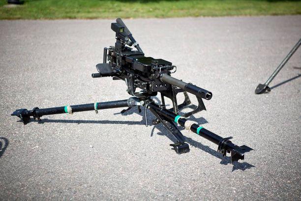 Kranaattikonekivääri 40 KRKK 2005 on käytössä kaupunkijääkäreillä, erikoisjääkäreillä ja rannikkojääkäreillä. Saksalaisvalmisteisella aseella voidaan ampua kerta tai sarjatulta yli kahden kilometrin päähän.