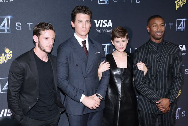 Leffan tähdet Jamie Bell, Miles Teller, Kate Mara ja Michael B. Jordan.