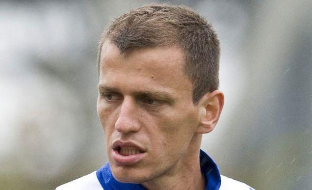 Njazi Kuqi pelaa Skotlannin ykkösdivarissa.