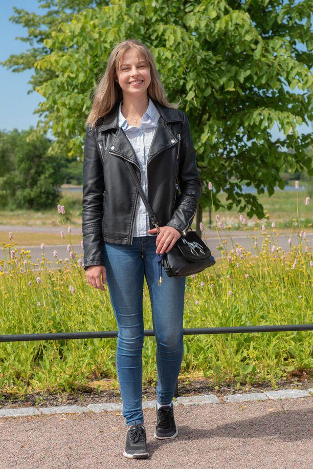Alkavana lukuvuonna Polina on abiturientti. Lukion jälkeen hän haluaisi opiskella psykologiaa.