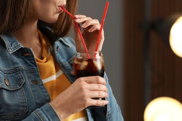 Yhdessä sokerilimussa on  keskimäärin 75 prosenttia siitä sokerimäärästä, joka on suositusten mukainen maksimipäiväannos.