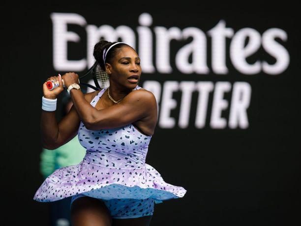 Serena Williams otti rutiinivoiton Australian avointen ensimmäisellä kierroksella.