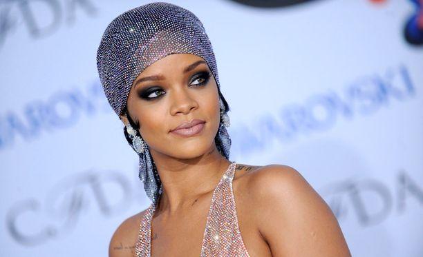 Rihanna tapaili Chris Brownia.