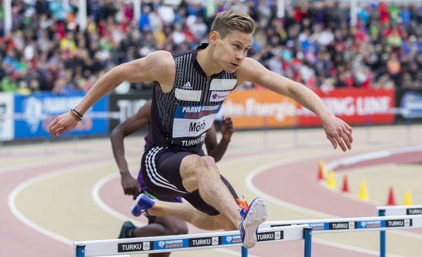 Oskari Mörö on hyvin valveutunut urheilija, kurssinsa priimus Vierumäen liikuntaneuvojan linjalta. Olen oppinut itsestäni aika paljon. Tiedän heikkouteni ja vahvuuteni.