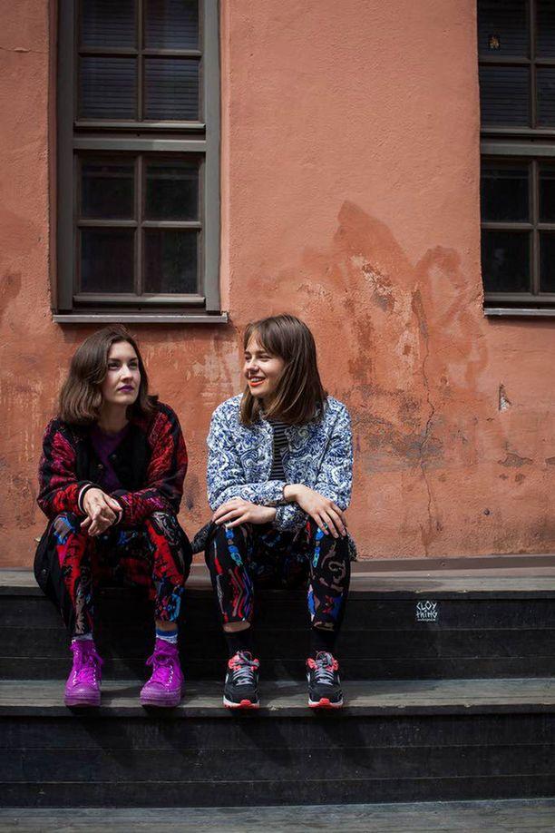 – Ehkä se meidän tärkein sanoma kuitenkin on, että kuka tahansa voi olla mitä tahansa, toteavat SOFA-kaksikon Fanni Noroila ja Soila Kuittinen.