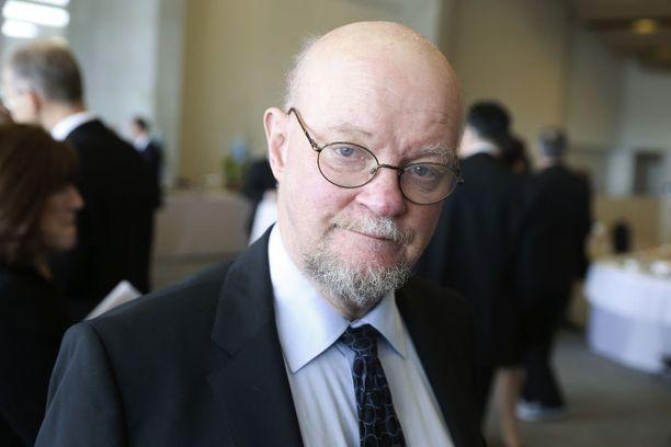 Mika Flöjtin mielestä konkari Osmo Soininvaara on piikki vihreässä lihassa.