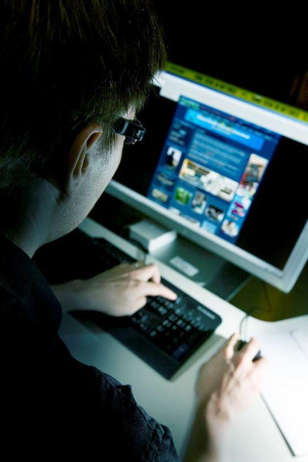 VAKAVA RIKOS Poliisin mukaan ostettuja pankkitietoja käytetään rahanpesuun ja petoksiin.