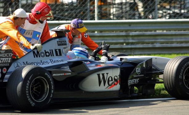 Mika Häkkinen kadotti F1-autoilun ilon epäonnisella kaudella 2001.