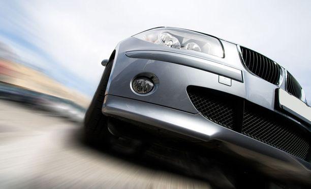 Avaimeton järjestelmä on yleinen uusien autojen kalleimmissa varusteversioissa lähes kaikilla automerkeillä.