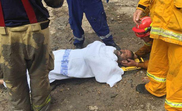 Miller kuljetettiin helikopterilla sairaalaan, mutta vammat olivat pieniä.