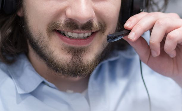 """Yritys väittää käyttävänsä lehtitilausmaksut muun muassa """"turvapuhelimen"""" pyörittämiseen."""