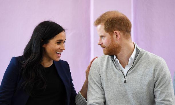 Sussexin herttuaparin esikoinen ei välttämättä saa perinteistä kuninkaallista nimeä. Voi olla, että Meghan haluaa, että hänen oma taustansa ja synnyinmaansa heijastuvat esikoisen nimessä.