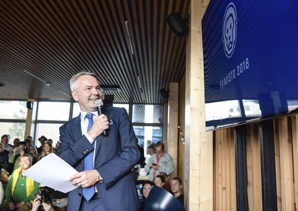 Lähes 40 prosenttia kyselyyn vastanneista ilmoitti, että he olisivat valmiita antamaan lisää valtaa vihreiden presidenttiehdokkaalle Pekka Haavistolle.