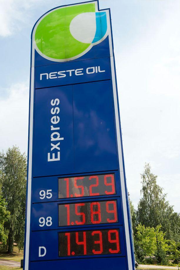 Huoltoasemilla saattaa tulla pulaa polttoaineista jakelukatkon takia