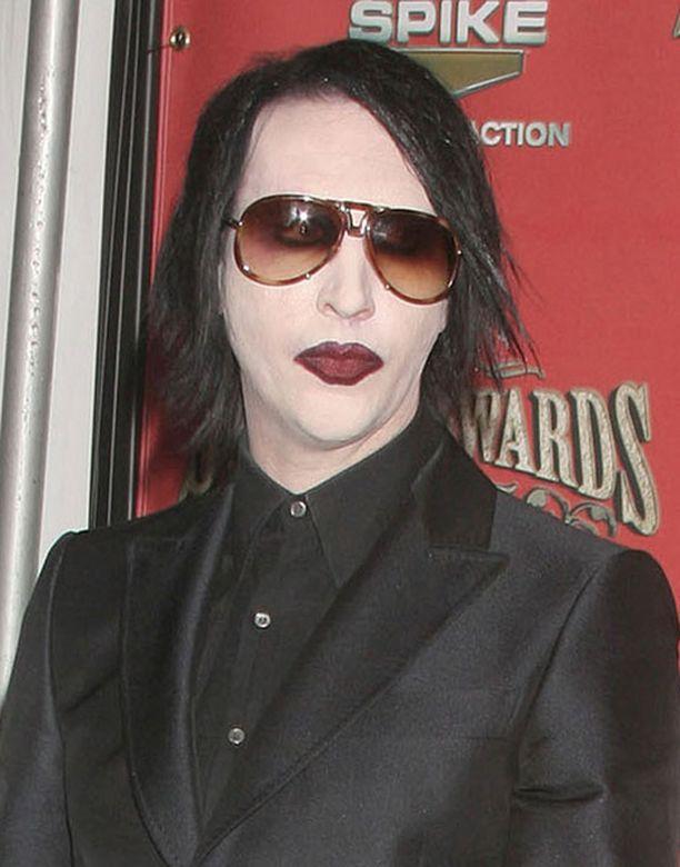 Marilyn Manson on pyydellyt anteeksi parin vuoden takaisia tapahtumia.