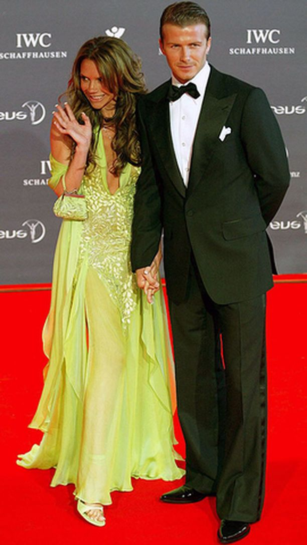 David ja Victoria Beckham muuttavat Yhdysvaltoihin vasta kuukausien kuluttua.