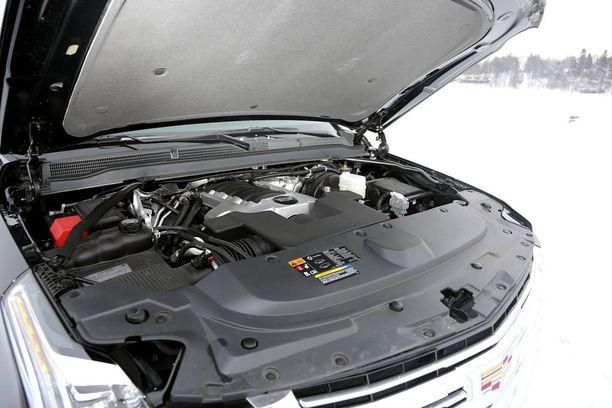 V8 ei ole mikään talousmylly, mutta kulutus riippuu kaasujalan raskaudesta.