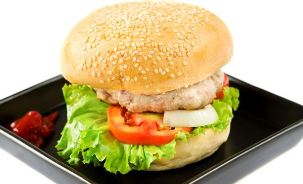 Musta lautanen voi tehdä hampurilaisesta vähemmän houkuttelevan.