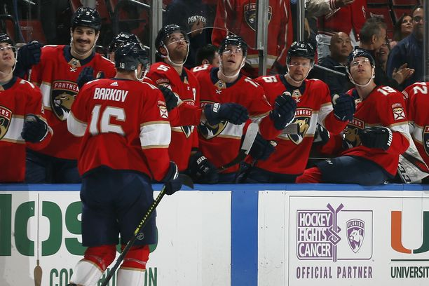Aleksander Barkovin ja muiden NHL-miljonäärien lisäksi myös kaikki muut Panthersin työntekijät saavat palkkansa koronakriisin aikana.