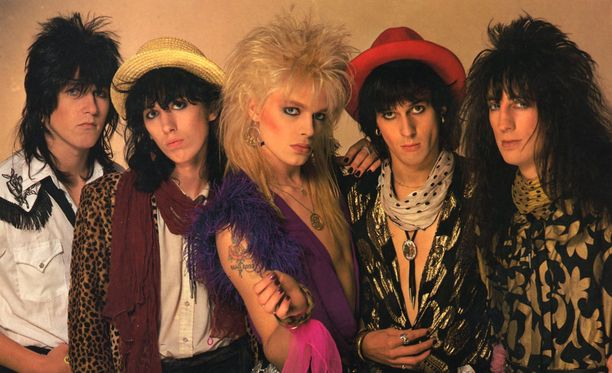 Hanoi Rocks eli alkuaikoinaan kovaa elämää Tukholman kaduilla.