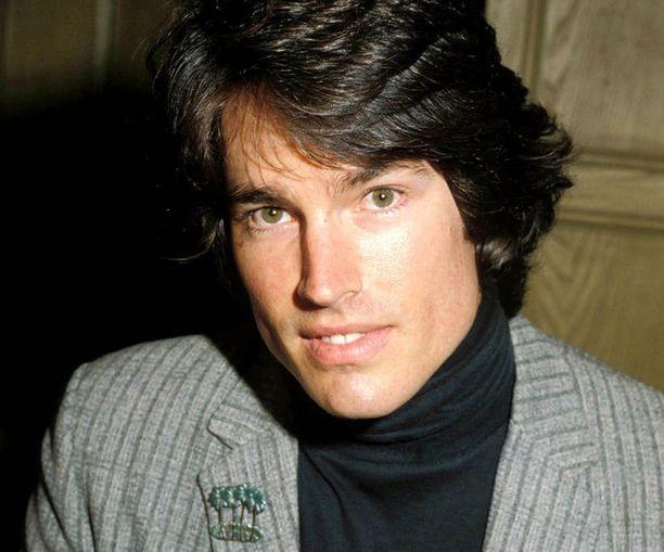 Ronn Moss oli yksi sarjan alkuperäisiä näyttelijöitä. Mies nähtiin Kaunareissa jo 1980-luvun puolella.