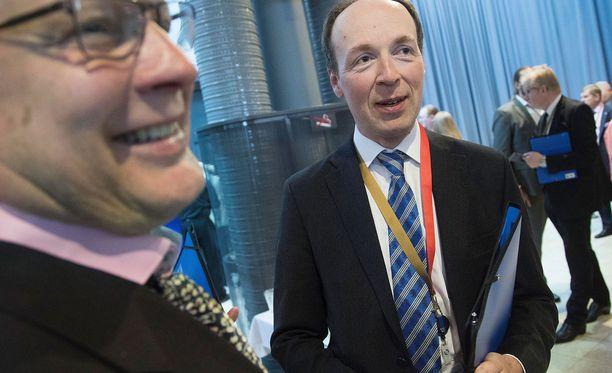 Jussi Halla-aho valittiin perussuomalaisten puheenjohtajaksi ylivoimaisella äänimäärällä.