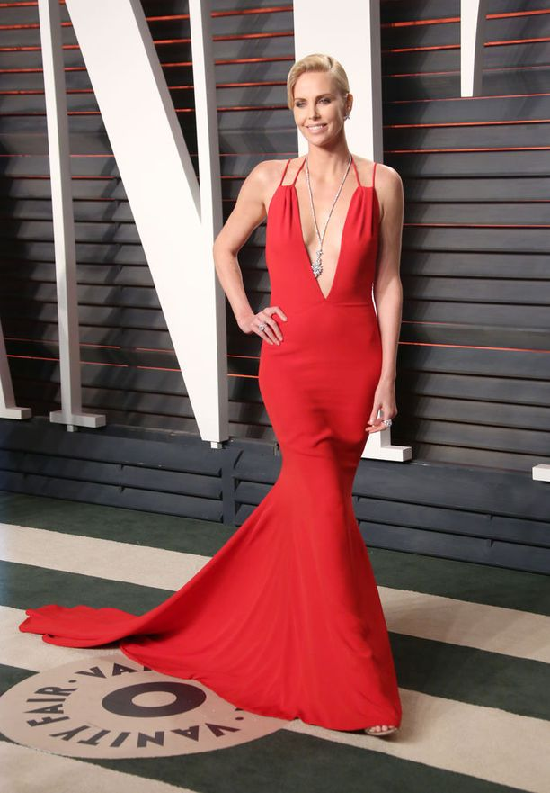 Charlize Theron, asu Dior