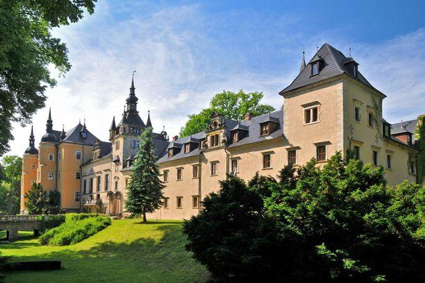 Kliczkówin linna toimii kylpylähotellina.