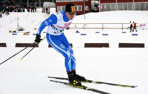Matti Heikkinen hiihti hyvin lauantaina uransa toiseksi viimeisessä kilpailussa Ylitorniolla.
