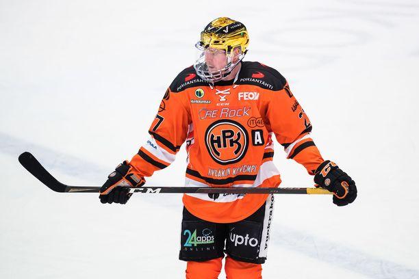 Petri Kontiola joutui jättämään Sport-ottelun kesken.