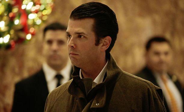 Donald Trump nuorempi on palkannut itselleen rikosasianajajan, joka edustaa häntä Venäjä-tutkintaan liittyvissä asioissa.