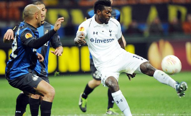 Emmanuel Adebayor pelasti Tottenhamin San Sirolla.