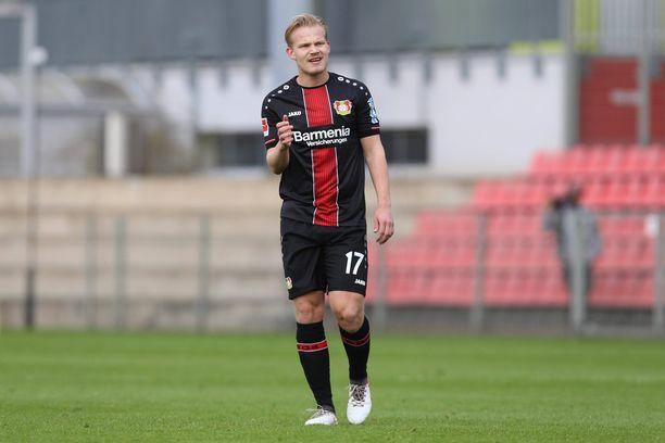 Joel Pohjanpalo harjoittelee kesällä HJK:n mukana.