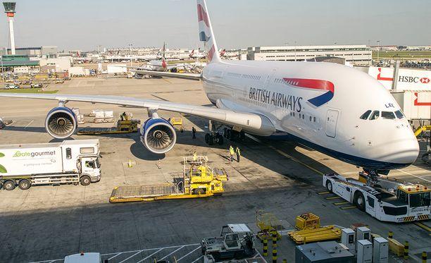 BA:n lento viivästyi lopulta neljä tuntia.