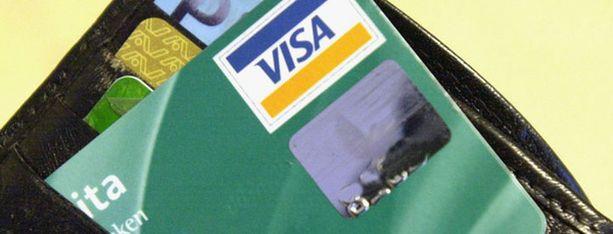 Poliisin mukaan luottokortilla tankkaaminen on yhä turvallista Oulussa.