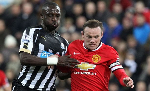 Moussa Sissoko ja Wayne Rooney ovat vikkeliä poikia.