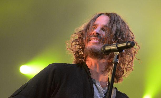 Rocktähti Chris Cornell esiintymässä yhtyeensä Soundgardenin kanssa.