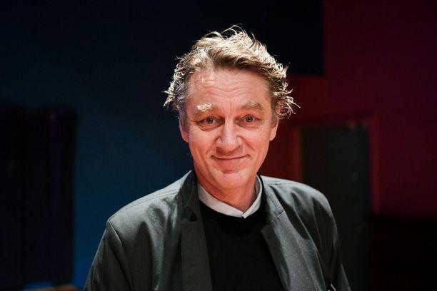 Ville Virtasen näyttelemä Sorjonen selvittää sarjan toisella tuotantokaudella viittä uutta rikosta. Virtanen pokkasi Sorjosen roolistaan parhaan miesnäyttelijän Kultaisen Venlan vuonna 2016.