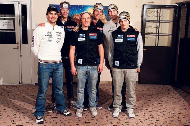 Suomalaiset joutuivat kamppailemaan kokemattomalla joukkueella Levillä.