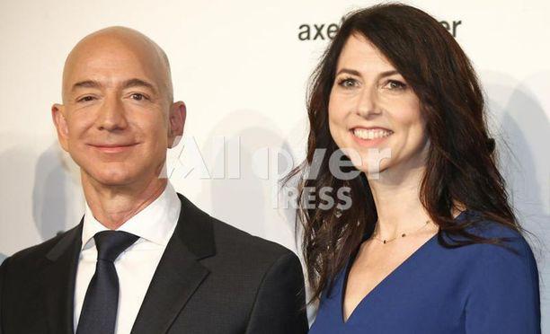 Jeff Bezosin opit ovat johtaneet myös moniin palkitsemisiin.