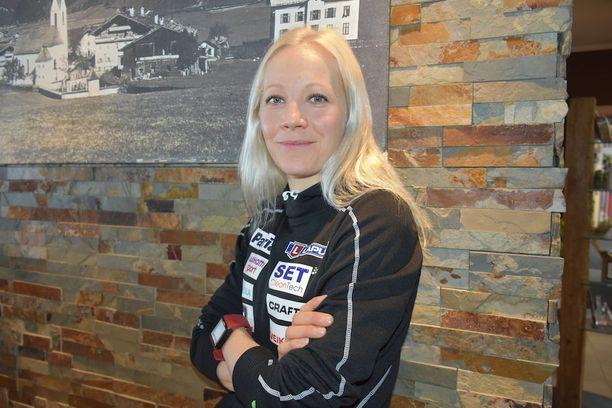 Kaisa Mäkäräinen on hienolla urallaan saavuttanut muun muassa kaksi maailmancupin kokonaiskisan voittoa, 70 palkintopallipaikkaa ja kuusi MM-mitalia.