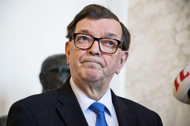 Kansanedustaja Paavo Väyrynen teki kantelun eduskunnan oikeusasiamiehelle.