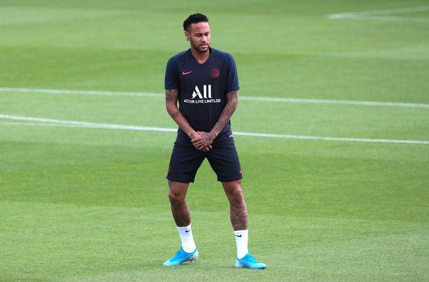 Neymarin ensi kauden seura on yhä hämärän peitossa.