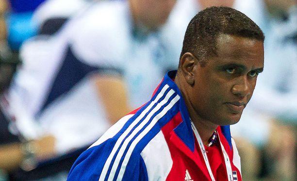 Rodolfo Sanchez ei jatka Kuuban lentopallomaajoukkueen valmentajana pelaajien rikosepäilyjen vuoksi.