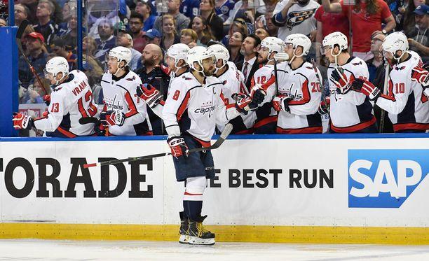 Aleksandr Ovetshkinin tähdittämä Washington marssi Stanley Cup -finaaleihin ensi kertaa 20 vuoteen.