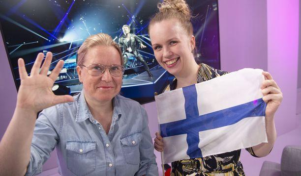 Mari Pudas ja Mari Julku latelevat totuuksia Euroviisuista.